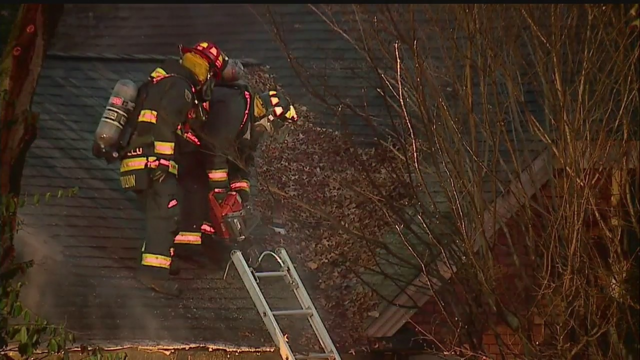House fire in Liberty Township creates billows of smoke