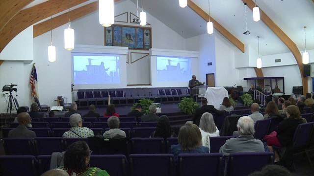 Youngstown community comes together to pray for victims of violence