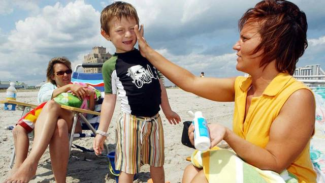 Choosing a sunscreen that won't harm youor the environment